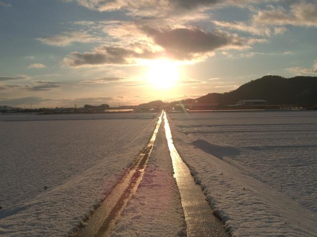 太陽への一本道。