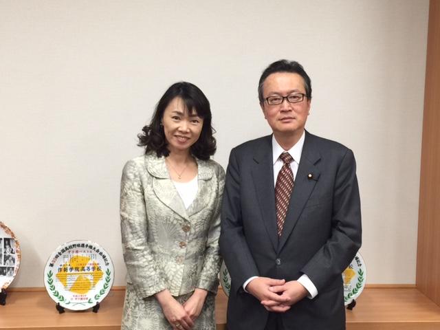 自民党の憲法改正推進本部長であり、衆議院の憲法調査会で筆頭幹事を務める船田元氏と。