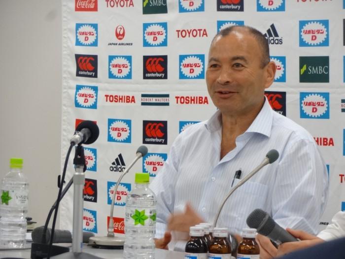 6月30日、東京・秩父宮ラグビー場でのエディー・ジョーンズヘッドコーチの記者会見には、多くの記者が詰めかけた。