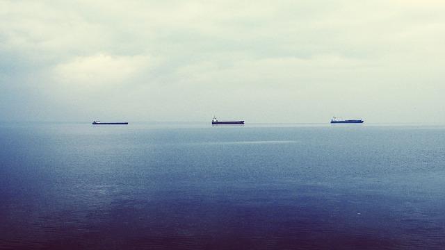 oil-tankers-336718_640