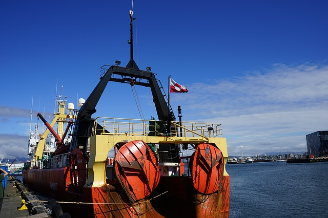 whaling-ship-892488_640