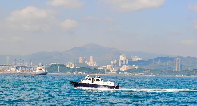 boat-1402716_640