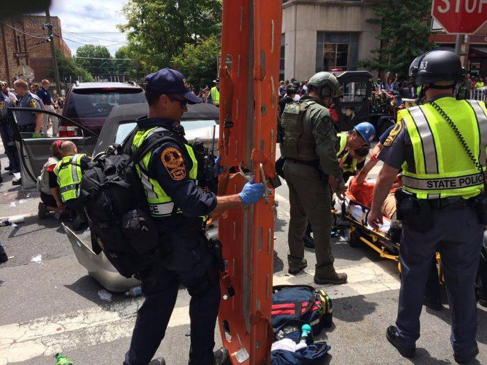 出典)シャーロッツビルにおける衝突現場での救護活動 バージニア州警察Twitter @VSPPIO