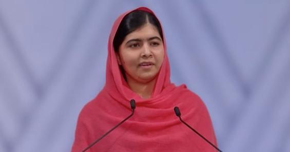 ノーベル平和賞受賞の際にスピーチするマララ・ユサフザイ