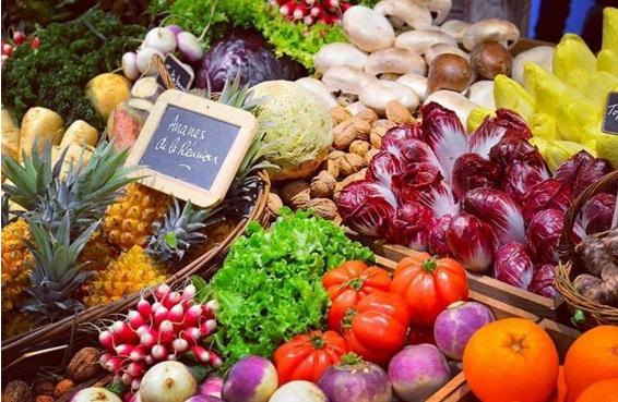 国際農業見本市会場に並ぶフランス産の食材